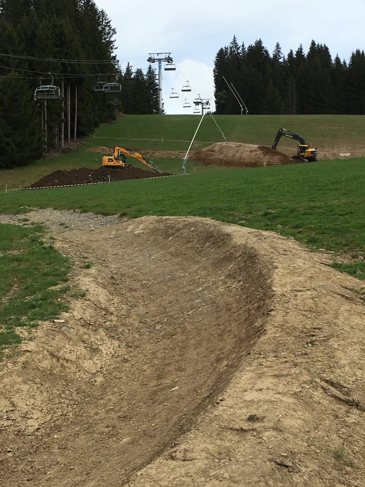 Preparing for Crankworx 2016 in Les Gets