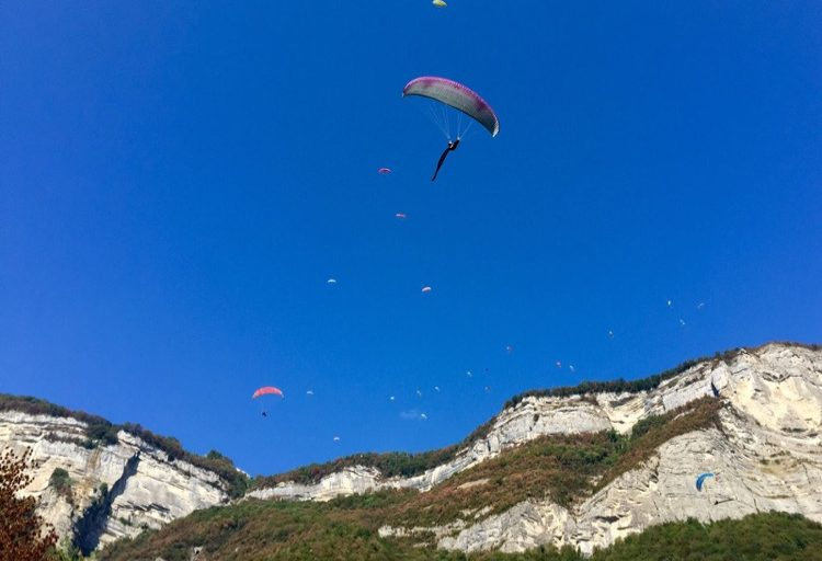 Paragliders at the 43rd Coupe Icare