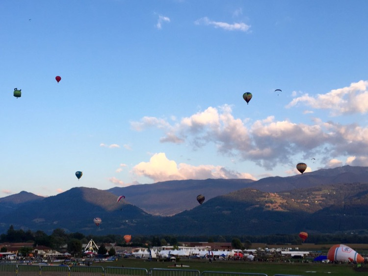Montgolfiers (Hot air balloons!) taking off from Lumbin.