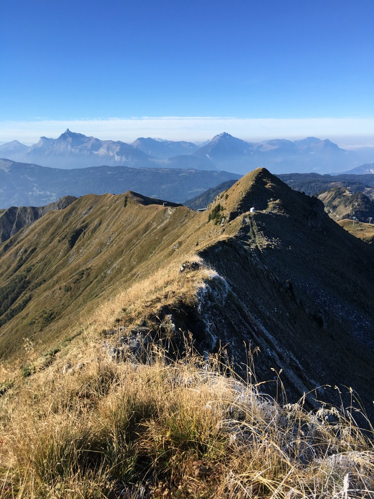 Descending the ridge from Pointe d'Angolon towards Le Collu and Pointe du Chamossiere.