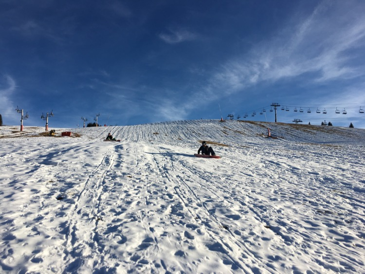 We took our familyup to the Chavannes on Monday for their first taste of snowboarding. It still looked like that this afternoon so it'll be interesting to see what the pisteurs do with it overnight.