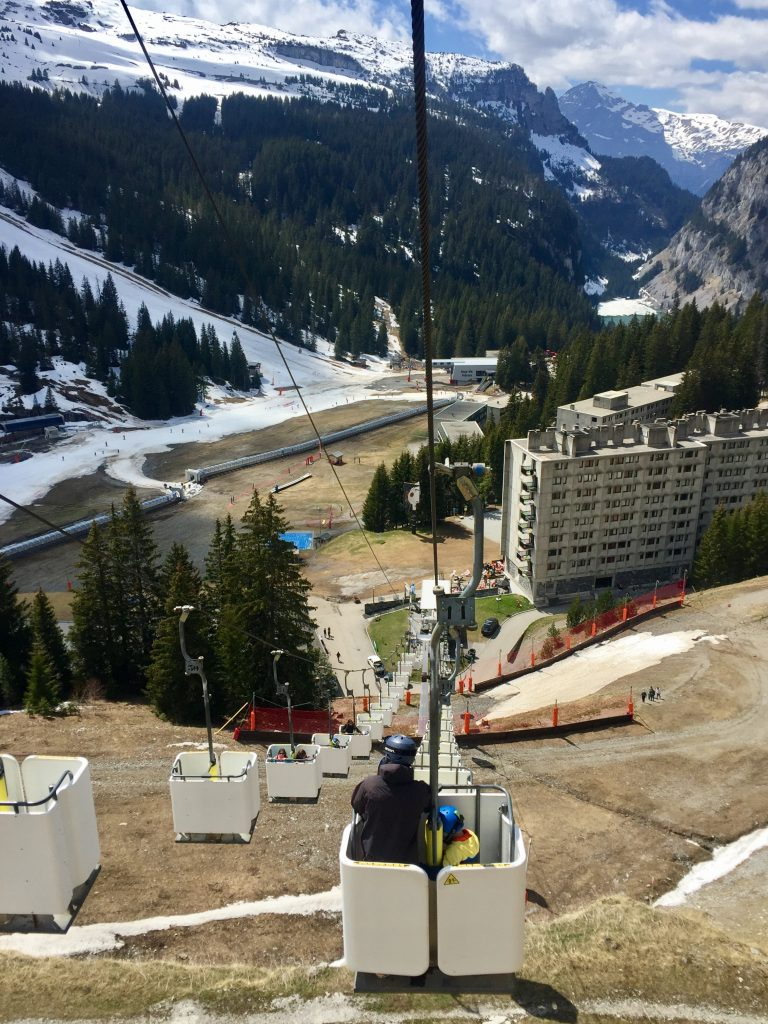 Unusual 'stand-up' lift in Flaine