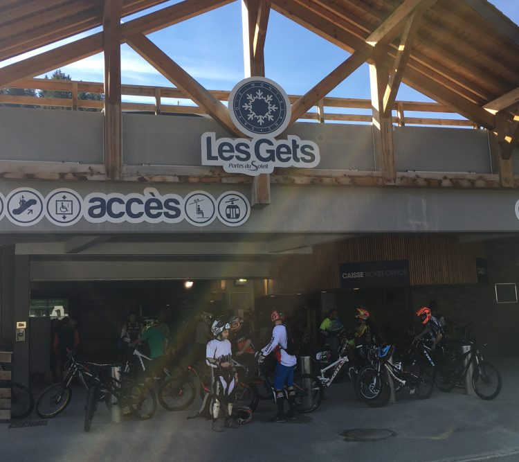Ticket office - Opening day Bike Park Les Gets 2017.