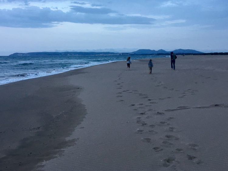 A lovely after dinner stroll on the beach at Camping Aquarius.