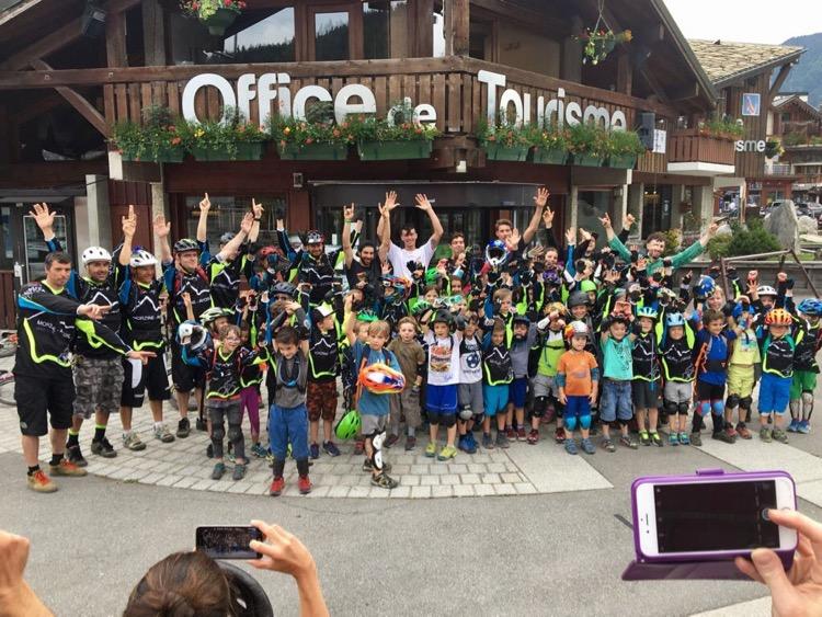 The kids were stoked to meet Josh Bryceland, Josh Lewis, Mark Scott, Iago Garay, Loris Vergier and 3 time UCI Downhill World Champion Greg Minaar.