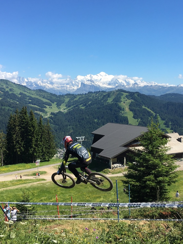 Downhill racing in Les Gets