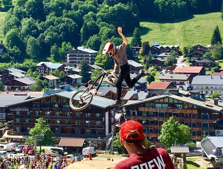 Reed Boggs ditching the bike mid air during qualifying for the Slopestyle event at Crankworx Les Gets 2017.