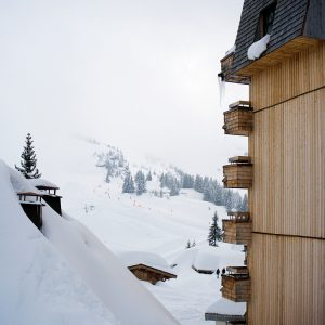 Avoriaz under snow photograph up-stix