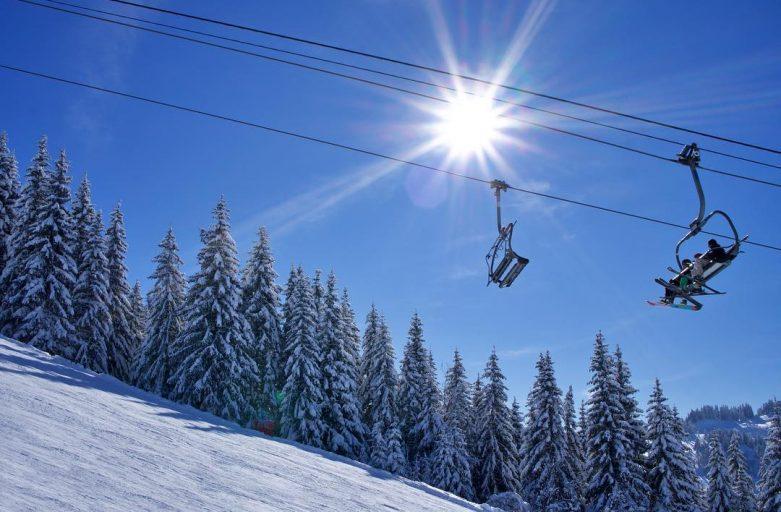 Nauchets lift, Les Gets. Up-Stix Fantastic half term ski holiday conditions.