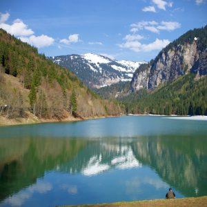 Lac Montriond Portes du Soleil lake photograph upstix