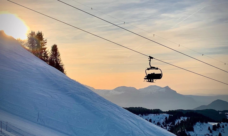 We love a chairlift! 😍 Let's hear it for the facilitators of our gravity-fuelled fun!
