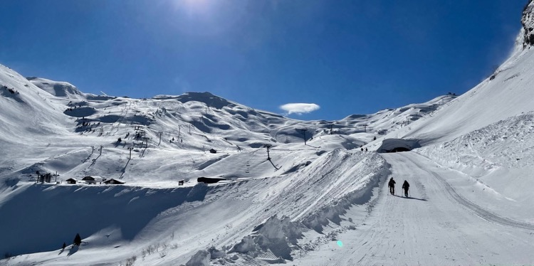 Fornet bowl in Avoriaz with Lac Verte to the left - Sunday 21 March.