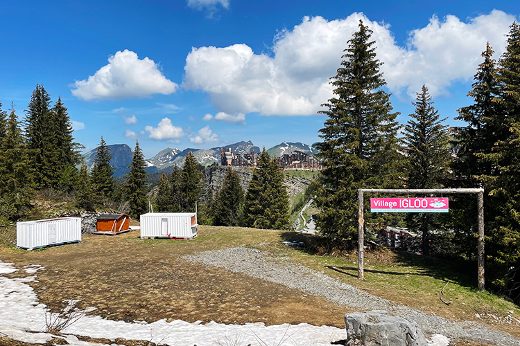 Weekend ski and bike was off to a good start seeing the igloo Avoriaz in Summer